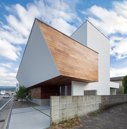 Japanese Ar. Masahiko Sato's residential project named 'Shell'