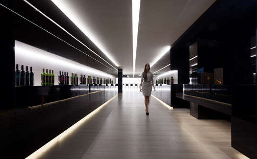 Vegamar wine shop by Ar. Fran Silvestre in Valencia