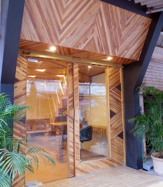 'organic' office by Ar, Mahesh Naik.