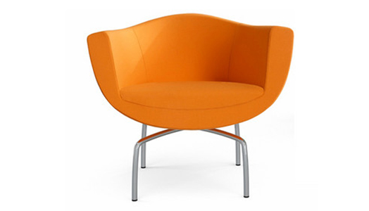Sorriso meaning 'smile' in Italian, is a chair that embraces its user with a welcoming design