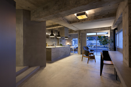 House in Jiyugaoka by Ar. Keiichi Kiriyama of Airhouse Design Office.