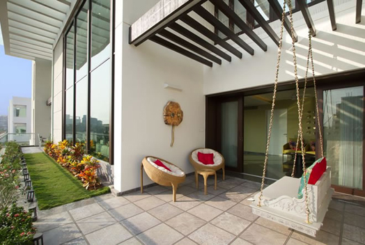 India Art n Design features luxurious Baroda penthouse by Ar. Dipen Gada
