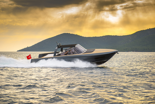 Alen 68 motor yacht by Foster+Partners