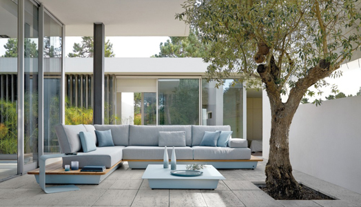 India Art n Design features Manutti outdoor sofas