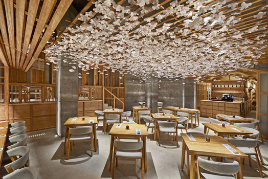 India Art n Design features Nozomi Sushi Bar in Spain by Masquespacio