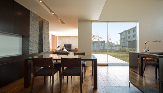 living areas open to internal courtyard