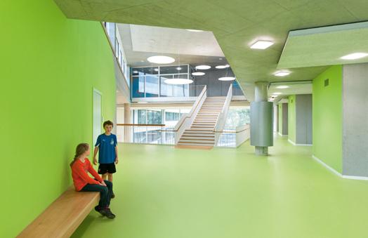 large interstitial spaces - School building at Ergolding