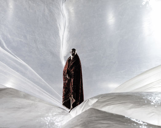 scenography using plastic foil for King Lear by Numen/For Use