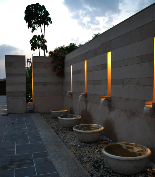 illuminated spouts - landscape design