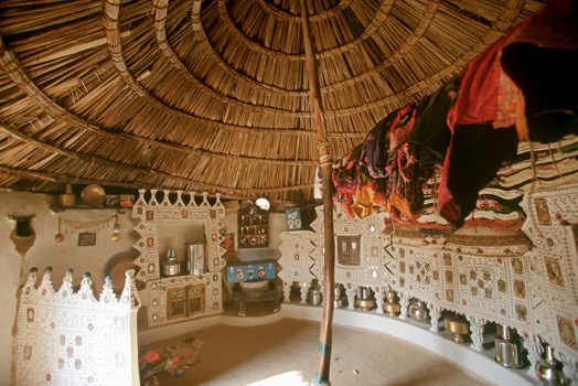 example of traditional indian design - interior with lippan work