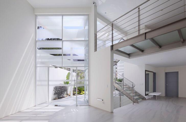 """""""interior staircase Casa O Gomez Guerrero Architects indiaartndesign"""""""