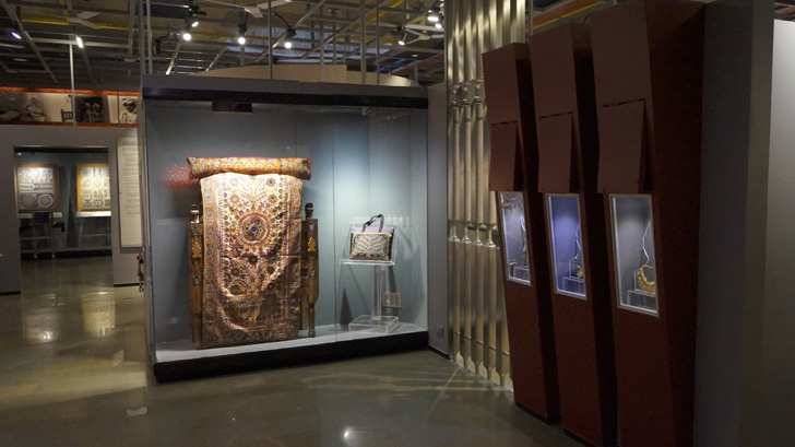 museum display with LED lighting