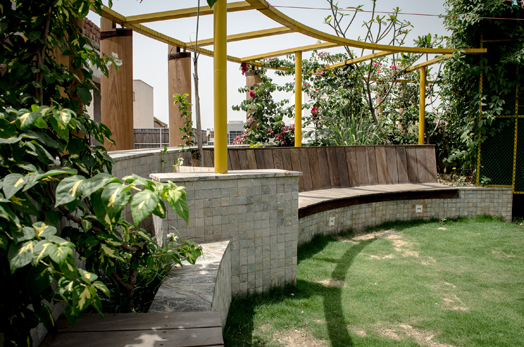 curvilinear terrace