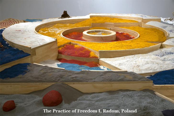 Adam Kalinowski's sand art installation