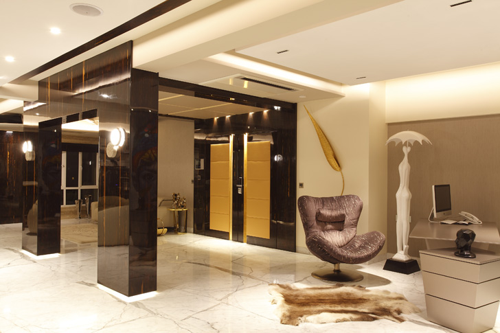 luxurious entrance lobby