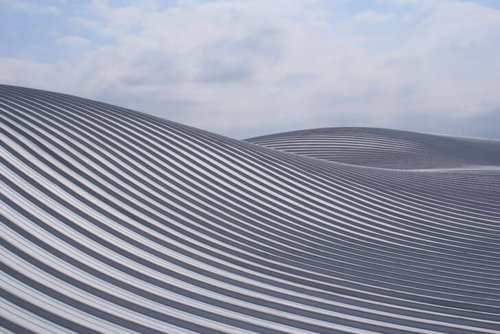 undulating roof of Trivaux-Garenne campus