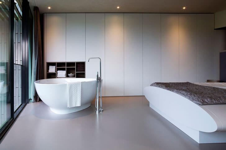 """compact bath tub indiaartndesign"""