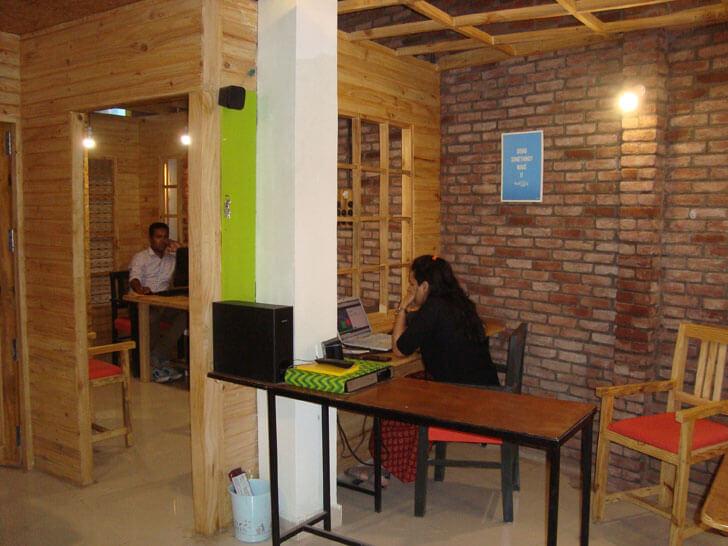 """workstation dylogg ashish bhattacharya indiaartndesign"""