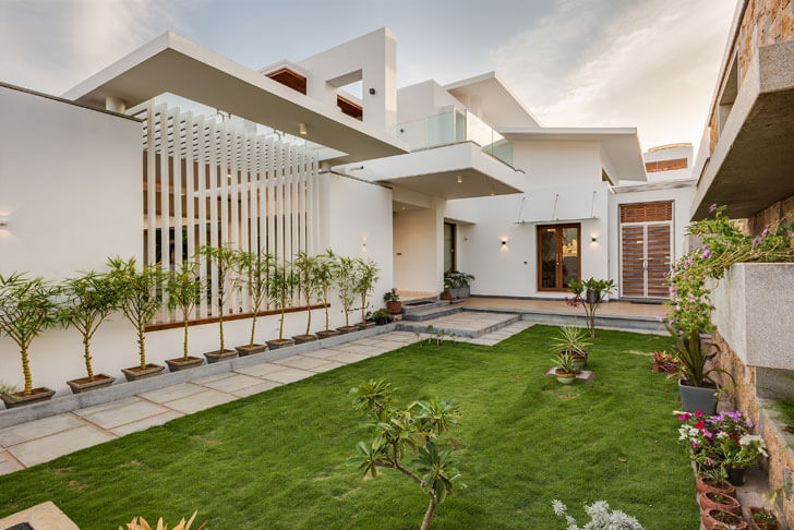 """internal courtyard yuvraj res cubism architects indiaartndesign"""