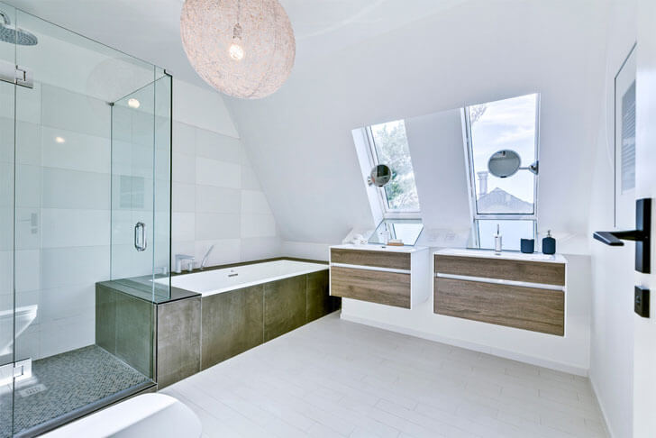"""Felix Leicher beach house bathroom indiaartndesign"""