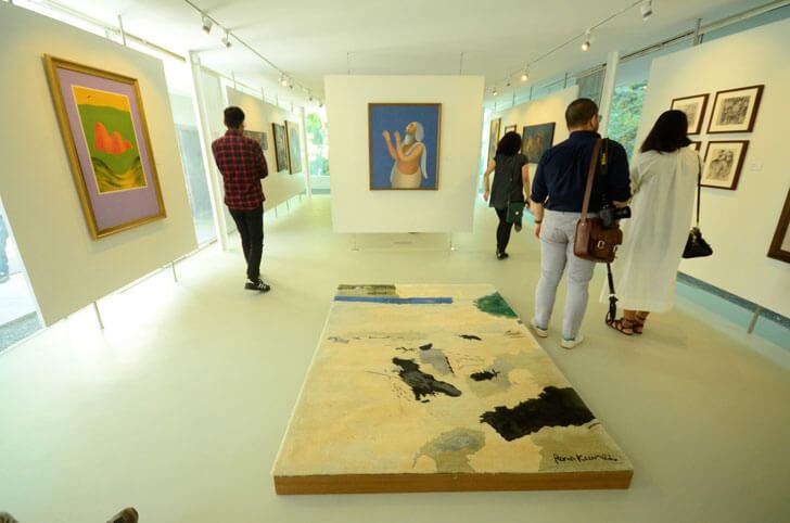 """""""glass gallery kasturbhai lalbhai museum indiaartndesign"""""""
