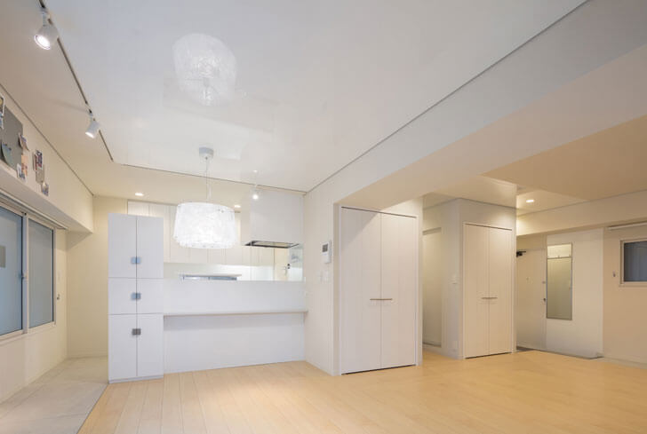 """all white condo Yusaku Matsuoka architects indiaartndesign"""