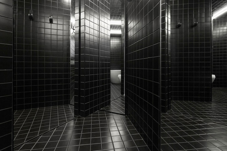 """bathroom floor monochrome jean verville IN2 indiaartndesign"""
