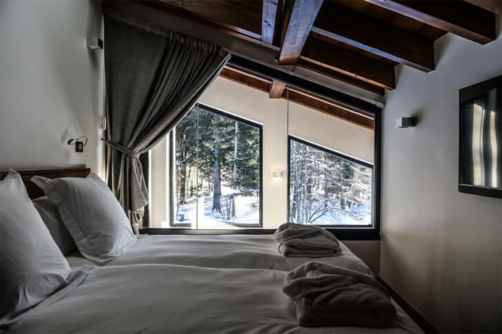 """Chevallier architects bedroom chalet whymper indiaartndesign"""