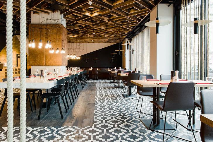 """monochrome flooring Maredo Berlin Ippolito Fleitz indiaartndesign"""