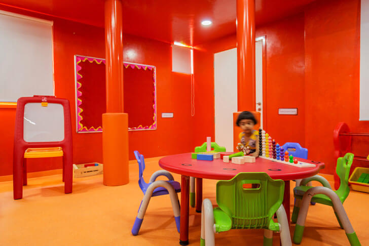 """red room renesa maple bear indiaartndesign"""