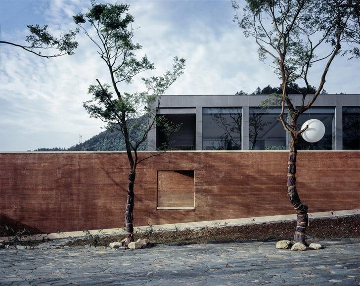 """slant wall sanbaopeng art museum DL atelier indiaartndesign"""