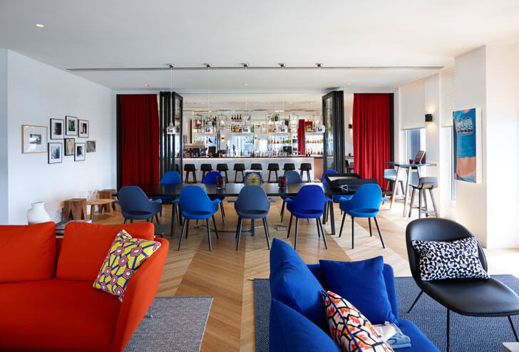 """lounge citizenM Paris concrete architecture indiaartndesign"""