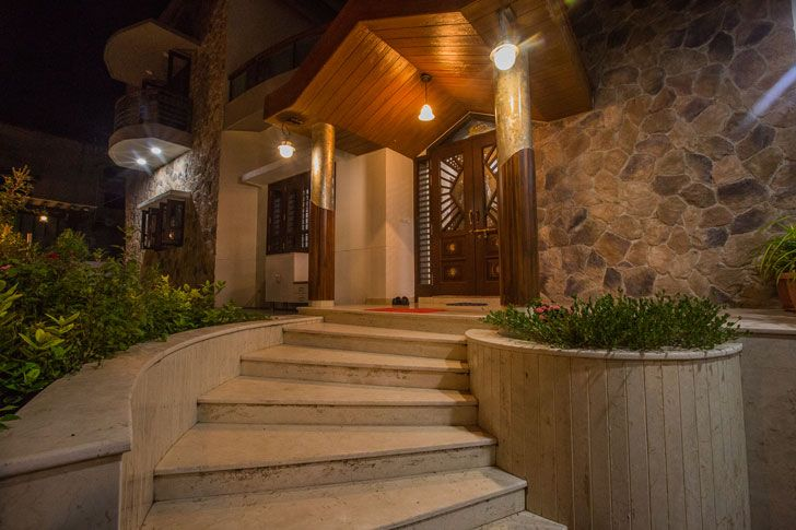 """entrance bungalow bharuch chitte associates indiaartndesign"""