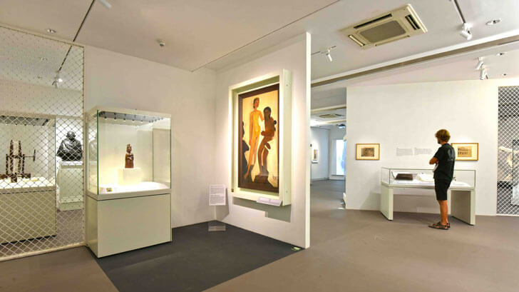 """exhibition india and the world CSMVS SNK indiaartndesign"""