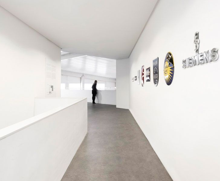 """corridor Fran Silvestre Arquitectos studio indiaartndesign"""
