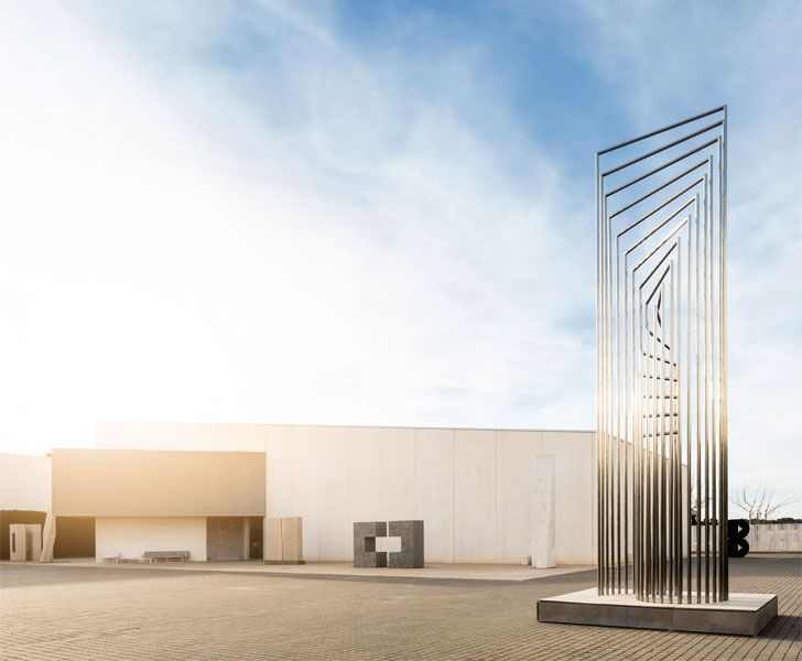 """sculpture Fran Silvestre Arquitectos studio indiaartndesign"""