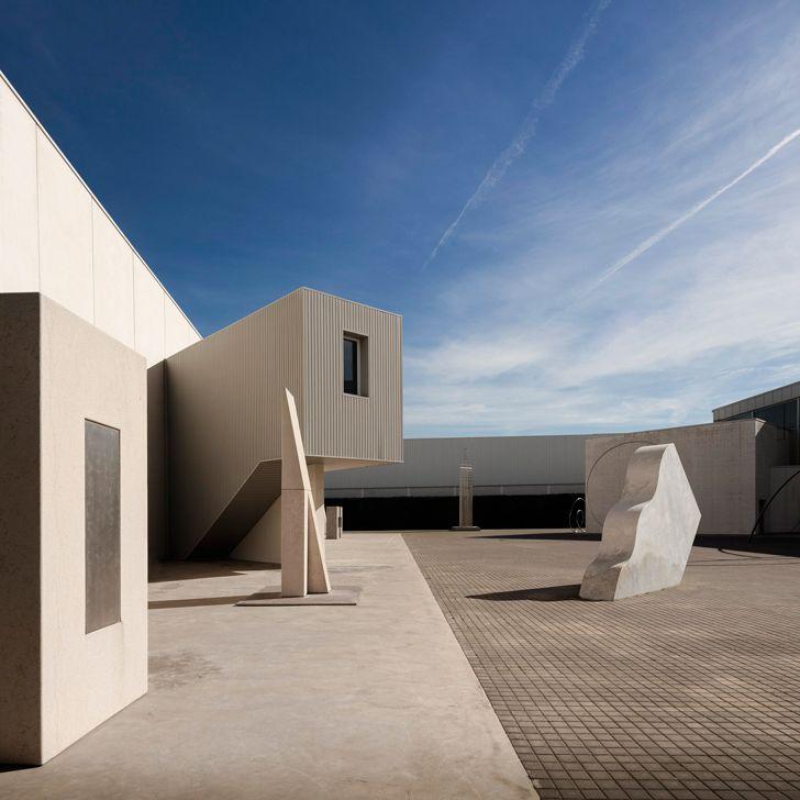 """sculptures Fran Silvestre Arquitectos studio indiaartndesign"""