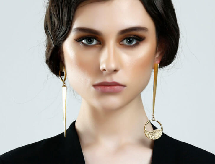 """mismatch earrings Shaheen Abbas label Flower child oro crudo indiaartndesign"""