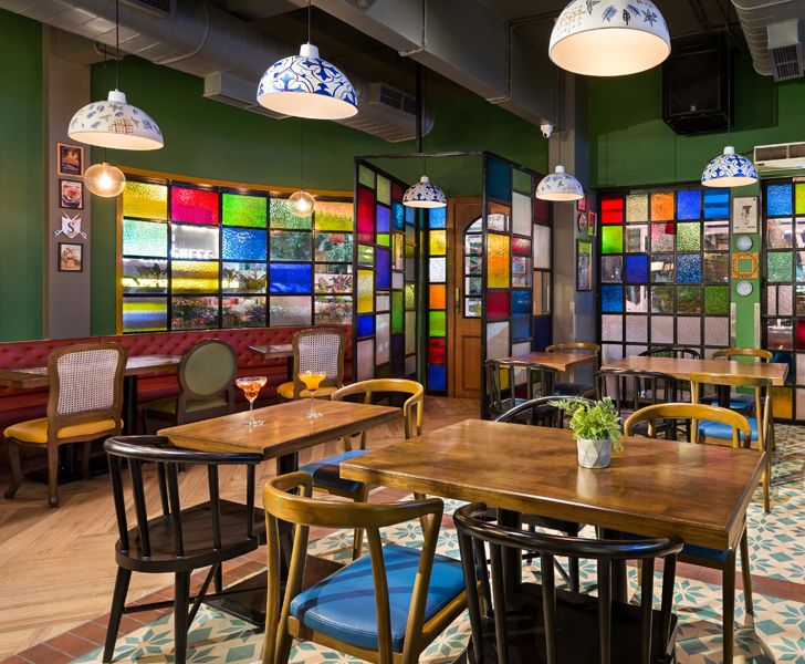 """stain glass Barcelos restaurant Studio osmosis indiaartndesign"""