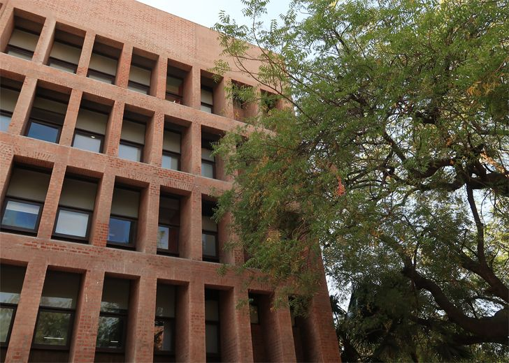 """East Facade Vikram Sarabhai Library IIM A SNK UNESCO award of distinction indiaartndesign"""