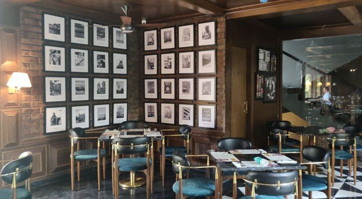 """cluster art Uno pizzeria Kolkata chromed design studio indiaartndesign"""
