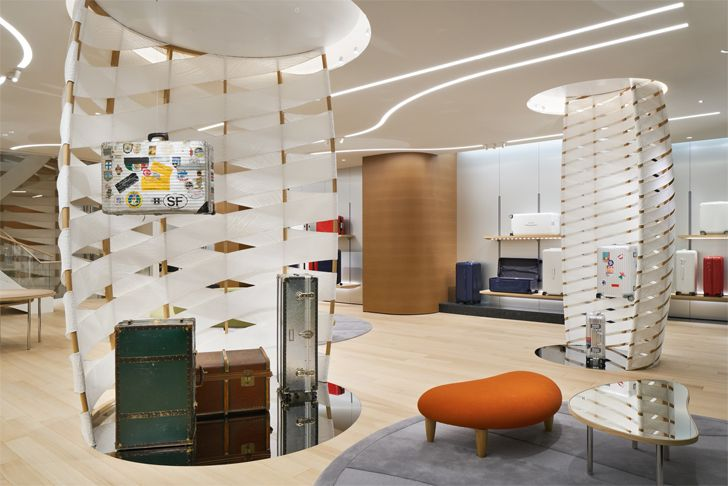 """centre piece displays rimowa Ginza labvert indiaartndesign"""