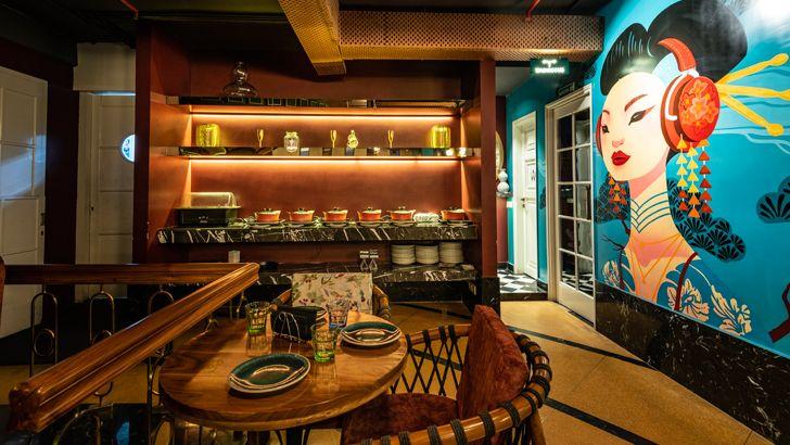 """display cabinet pikkle restaurant chromed design indiaartndesign"""