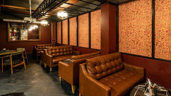 """""""plush sofas pikkle restaurant chromed design indiaartndesign"""""""