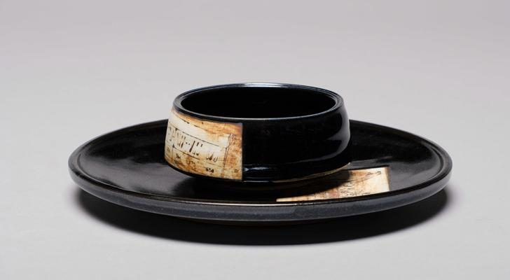 Black porcelain for a touch of class!