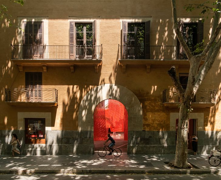 """installation Insolit 2019 Manuel Bouzas and Santiago del Aguila indiaartndesign"""
