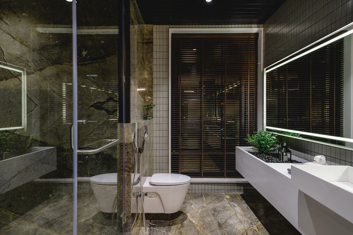 """luxurious bathroom pool house neogenesis+studio0261 indiaartndesign"""