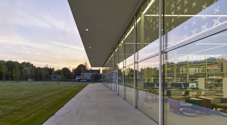 """glass walls bayeux media library serero architects indiaartndesign"""