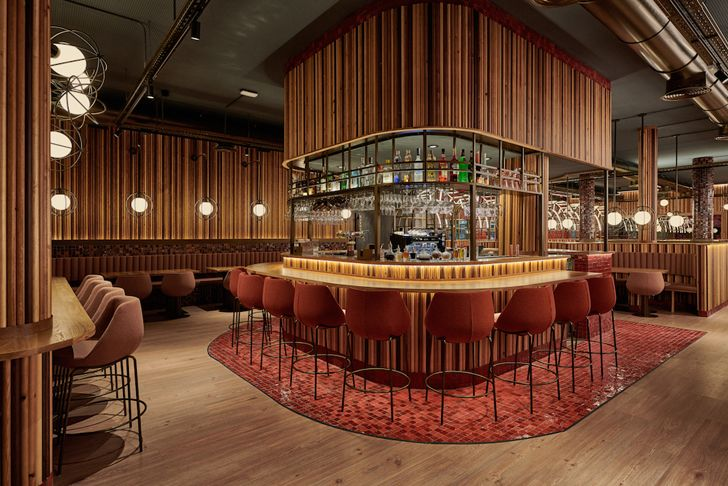 """centralised bar Piur Valencia masquespacio indiaartndesign"""