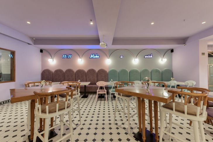 """main restaurant Eleven 11 restaurant sanya kantawala design indiaartndesign"""